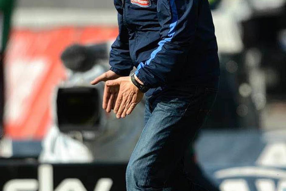 Wie immer engagiert an der Seitenlinie: Freiburgs Trainer Christian Streich (Foto: dapd)