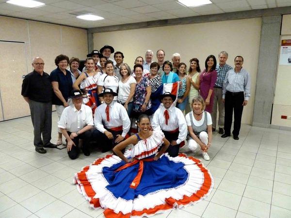 Eine Delegation der Tanzgruppe  Proyeccion Folklórica MuyTicos, die 2011 auch schon in Lahr zu Gast war.