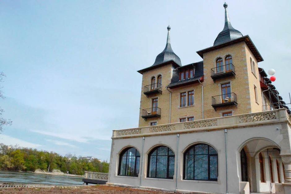 Die Fassade des einstigen Grandhotels am Schweizer Rheinufer ist historisch saniert (Foto: Ingrid Böhm-Jacob)
