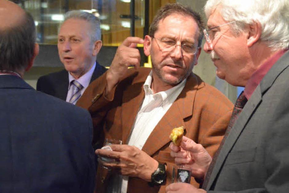 Deutsch-französische Gespräche im Foyer des Rathauses (Foto: Jochen Fillisch)