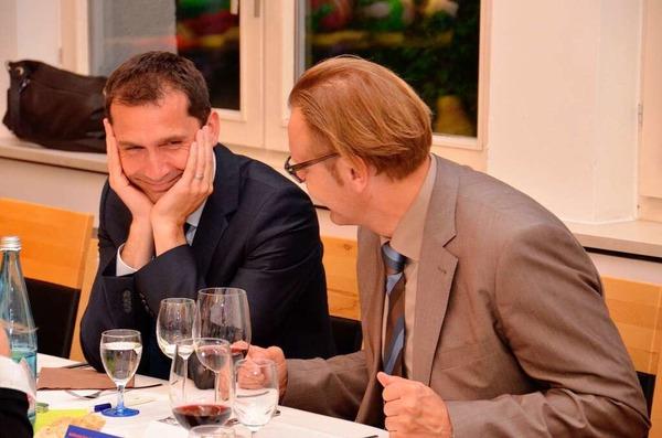 Das Badenova-Energiebuffet  – im Gespr�ch: Badenova-Finanzvorstand Maik Wassmer mit B�rgermeister Guido Sch�neboom