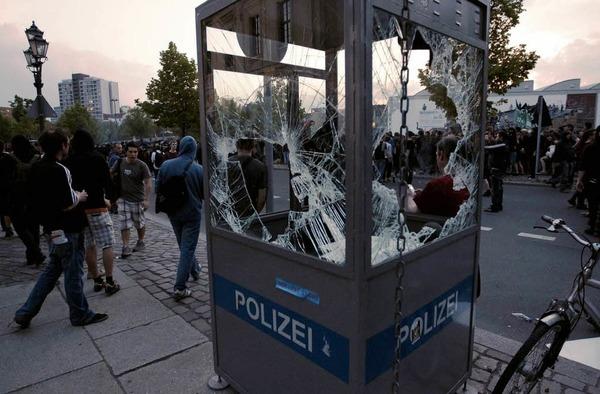 Der 1. Mai endete in Berlin mit Krawallen und Gewalt. 7000 Beamte waren im Einsatz. Etliche St�rer wurden festgenommen.