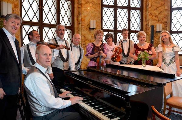 Das Obermettinger Salonorchester im Wiener Kaffeehaus (Jugendstilsaal der Klinik St. Blasien)