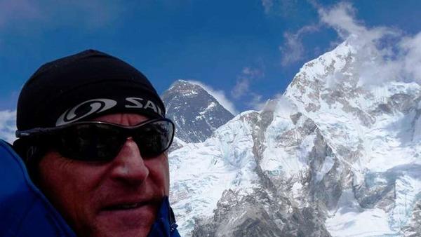 Richard Stihler am Gipfel des  Kala Pattar