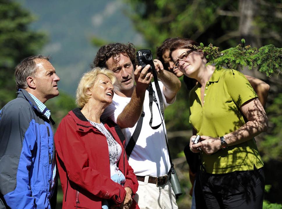 Staunende Gesichter: Toni Vorauer zeig...ausmacht – und wie man es macht.    Foto: Andrea Schiffner