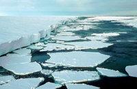 Eis-Barriere der Antarktis schmilzt dahin