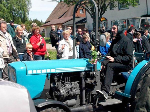 Herzlich begrüßten die Festbesucher in Urberg die ankommenden Oldiekapitäne.