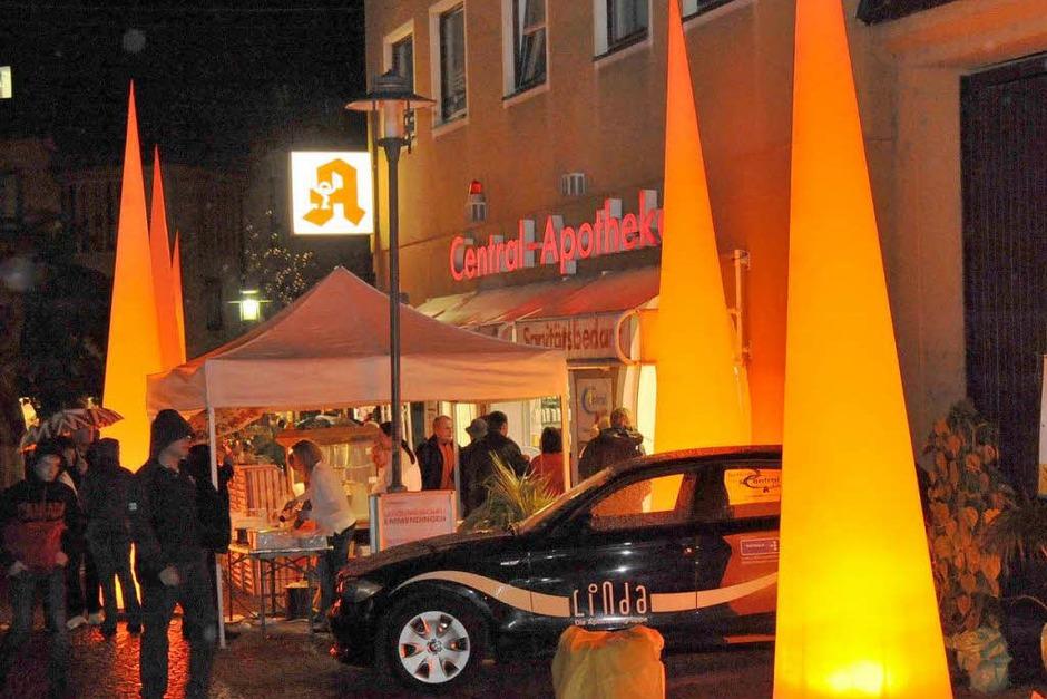 Eindrucksvoll beleuchteten die Pylone das Straßenbild (Foto: Markus Zimmermann)