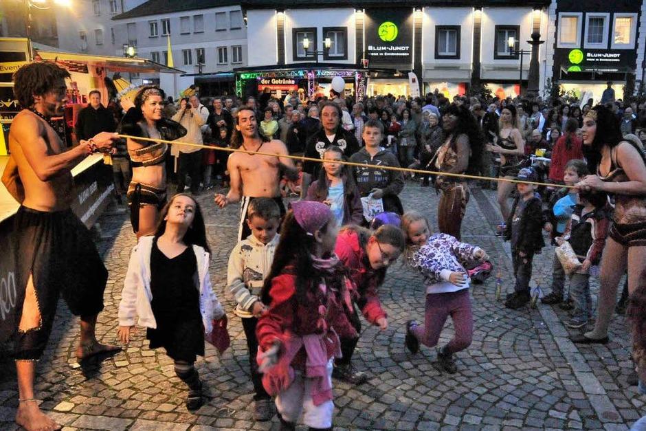 Auch schon die jüngsten Besucher waren zum Samba eingeladen (Foto: Markus Zimmermann)