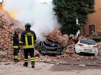 Schock und Tr�mmer: Sechs Menschen sterben bei Beben in Italien