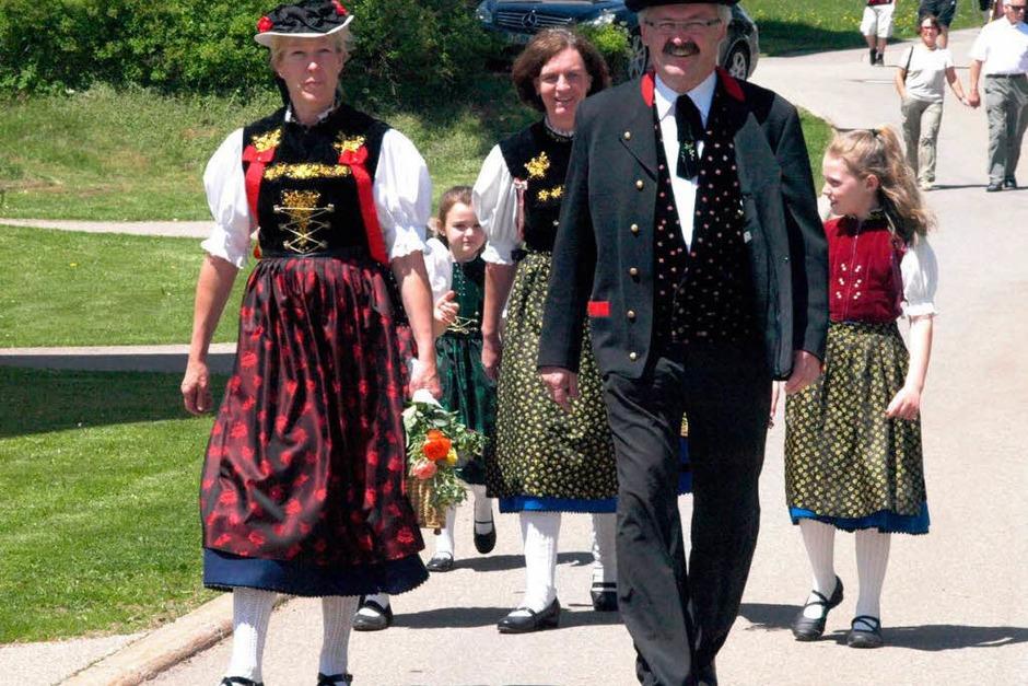 Mit dem Trachtenverein Häusern war auch Bürgermeister Thomas Kaiser mit Familie zu Gast in Urberg. (Foto: Karin Stöckl-Steinebrunner)