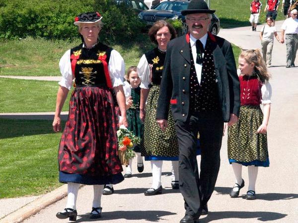 Mit dem Trachtenverein Häusern war auch Bürgermeister Thomas Kaiser mit Familie zu Gast in Urberg.