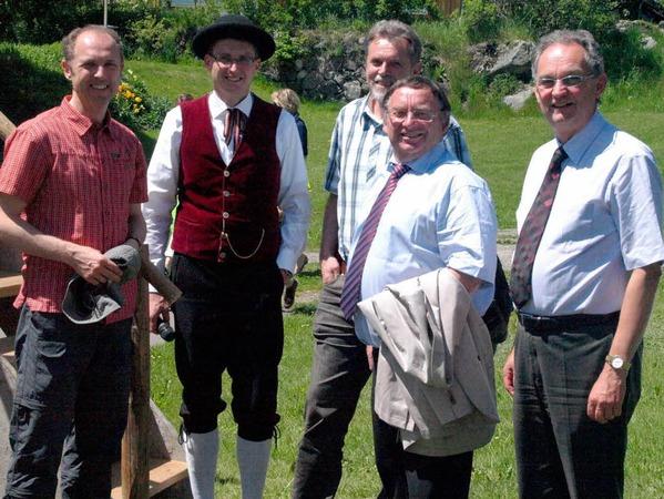 Ehrengäste: Landrat Tilman Bollacher, MV-Vorsitzender Marcus Stich, Stefan Pichler (Verband), Ludwig Ebner und Peter Fräßle (von links).