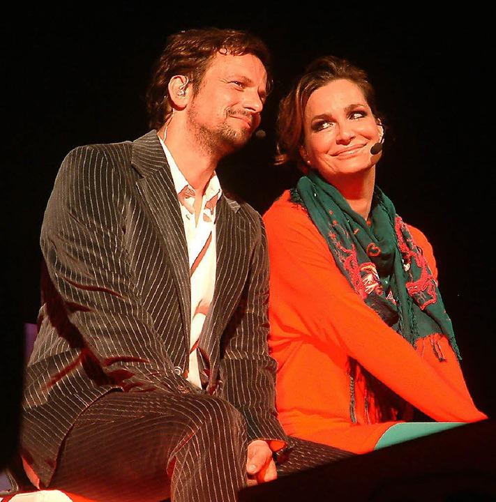 Gefühlvoll spielten Alexandra Kamp und...ria-Theater Szenen aus Popsongs nach.   | Foto: Roswitha Frey