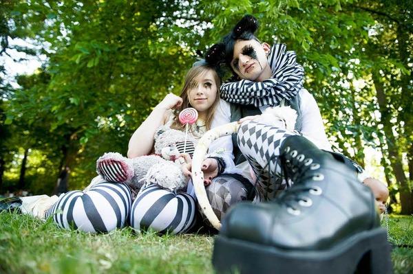 Blickfang: Die aufwendig kost�mierten und geschminkten Teilnehmer des Leipziger Wave Gothic Festivals.