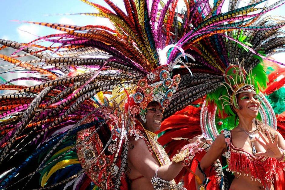 Bunt, quirlig und voller Rhythmus: Der Karneval der Kulturen in Berlin. (Foto: AFP)
