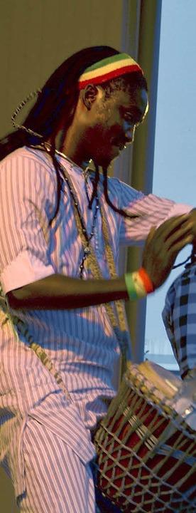 Die senegalesischen Trommler der Grupp...cherten das Todtnauer Kulturwochenende    Foto: Karin Maier