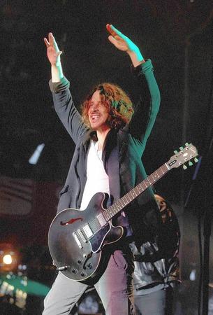 """Nach ihrem einzigen Deutschland-Konzert in Berlin traten Soundgarden um Sänger Chris Cornell noch bei """"Rock am Ring"""" und """"Rock im Park"""" auf."""
