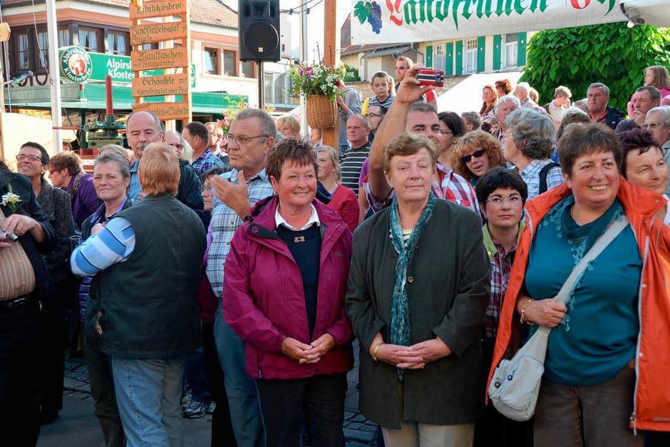 Die Besucher standen dicht gedrängt an der Bachenstraße. (Foto: Gerold Zink)