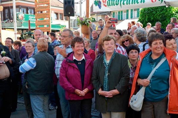 Die Besucher standen dicht gedrängt an der Bachenstraße.