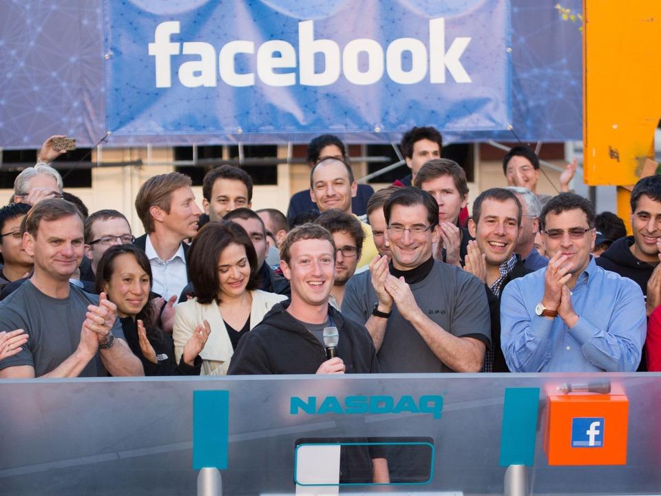 Das Facebook-Management beim IPO in de...menzentrale in Menlo Park, Kalifornien  | Foto: IDG