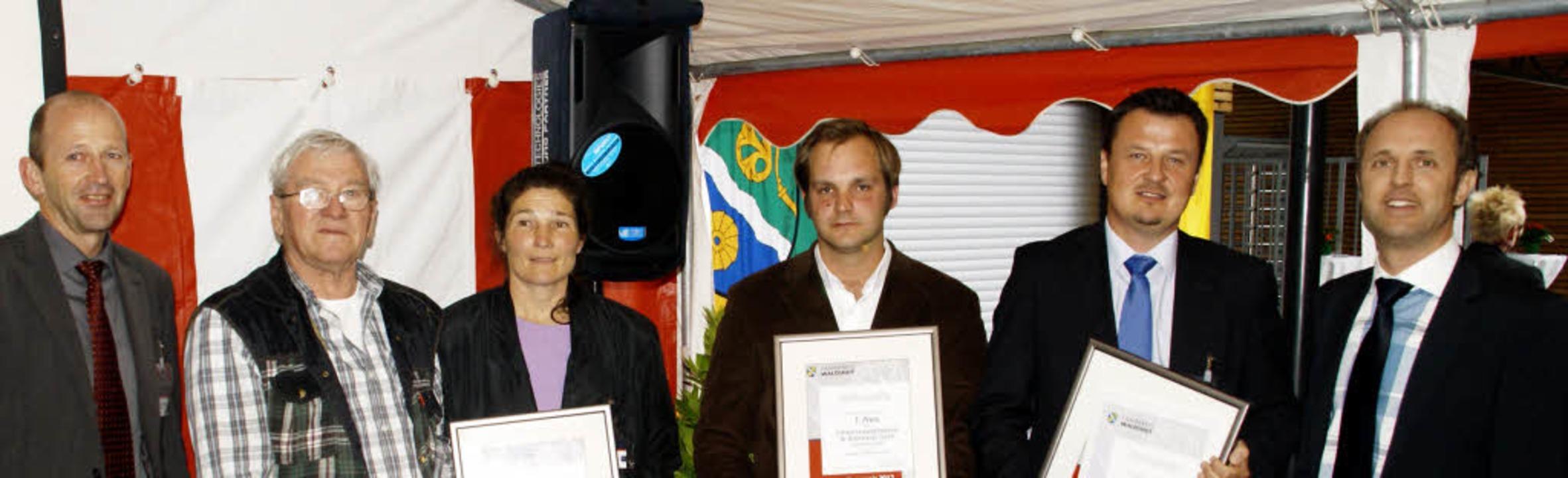 Ehrung der Innovationspreisträger  201... Landrat Tilman Bollacher (von links)   | Foto: Hrvoje Miloslavic