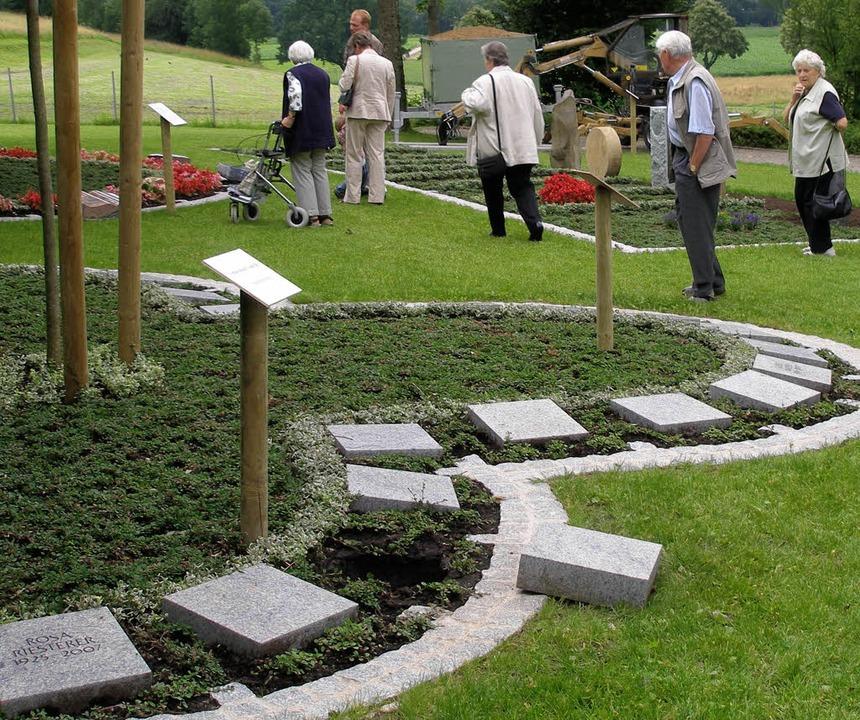 Urnengrabfeld des Friedhofes Giersberg in Kirchzarten     Foto: Barbara Schmidt