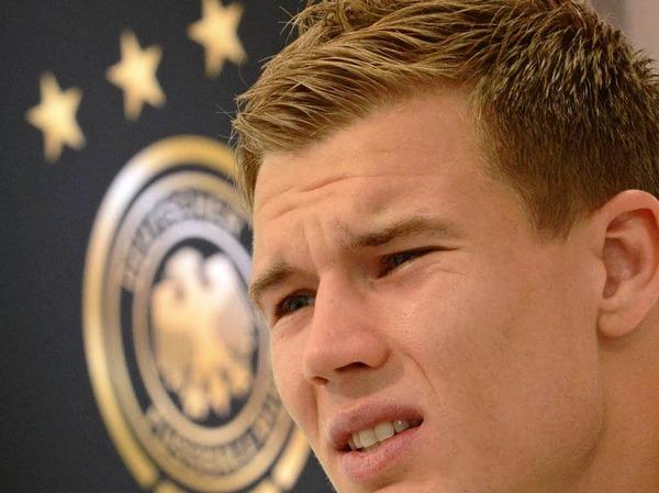 112.194 Fans auf Facebook - mit dieser Zahl scheint Holger Badstuber nicht wirklich zufrieden zu sein.