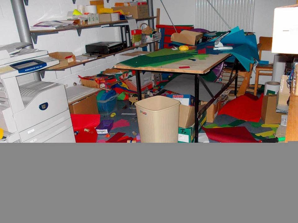So sah es in den Räumen aus, nachdem sich die Täter ausgetobt hatten.  | Foto: BZ