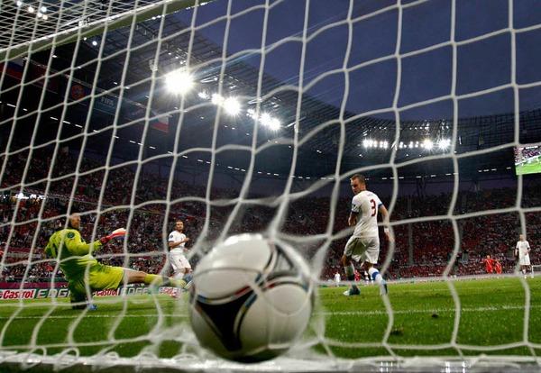 Volltreffer: Roman Shirokovs Tor f�r Russland im Spiel gegen Tsechien.