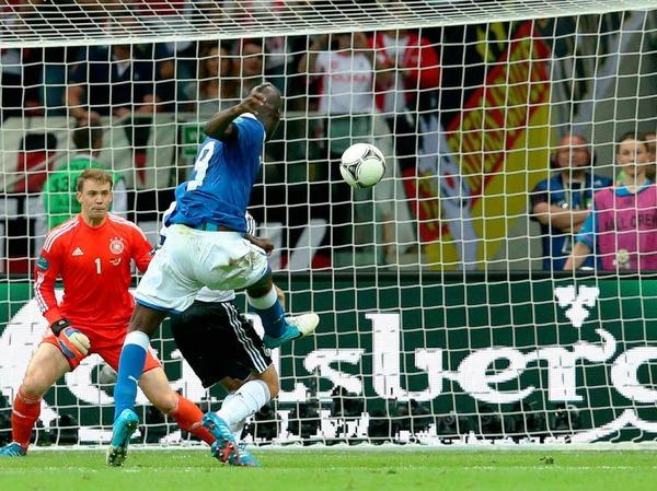 Das 2:0 für Italien - wieder Mario Balotelli