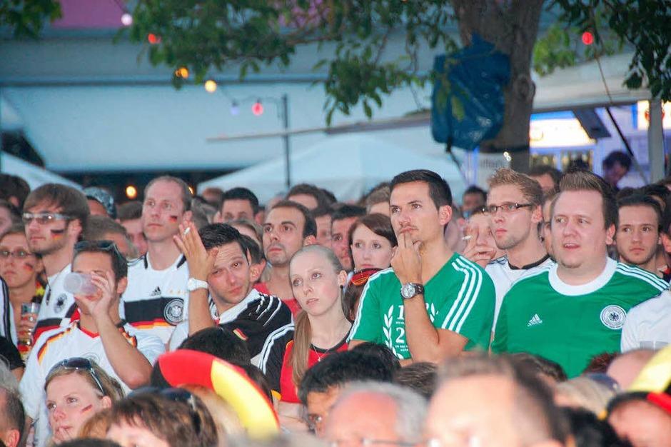 Szenen vom Halbfinale beim Public Viewing im G5 (Foto: Luise Lauber)