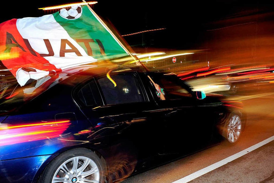 Party nach dem Sieg von Italien. (Foto: Thomas Kunz)