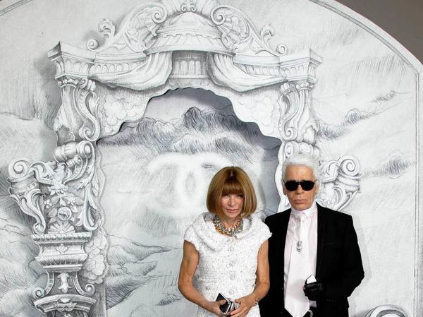 <ppp>und nat�rlich die K�nigin der Modewelt: Anna Wintour (hier mit Karl Lagerfeld).</ppp>