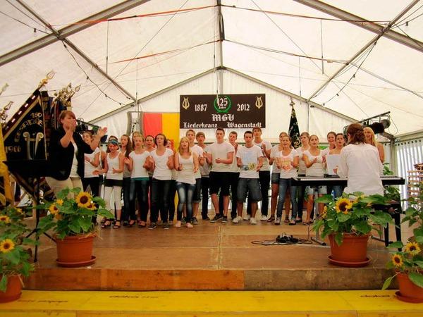 """Beim Freundschaftssingen am Sonntagnachmittag:  der Jugendchor """"Voices United 25"""" aus Wyhl"""