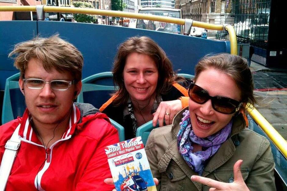 Unterwegs mit dem Bus: Eine gute Möglichkeit, erste Eindrücke von der Stadt zu bekommen. (Foto: Simone Schüssler)