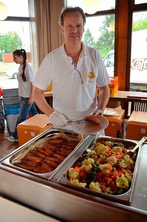 Schallstadter Schnitzel mit Gemüse gab es für die Gäste aus Italien
