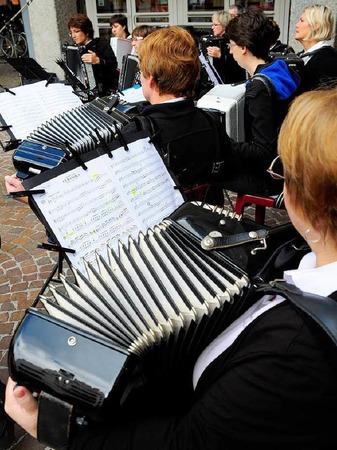 Freiburger Musikvereine spielen in der Freiburger Innenstadt