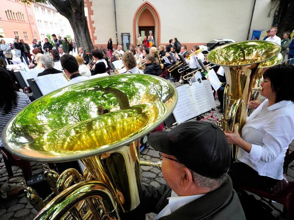 Freiburger Musikvereine spielen in der Freiburger Innenstadt