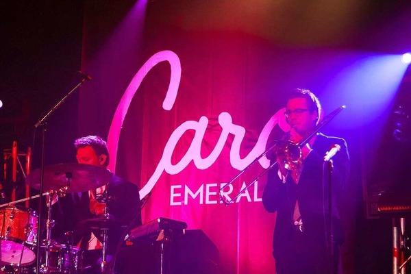 Caro Emerald im Zirkuszelt auf dem ZMF.