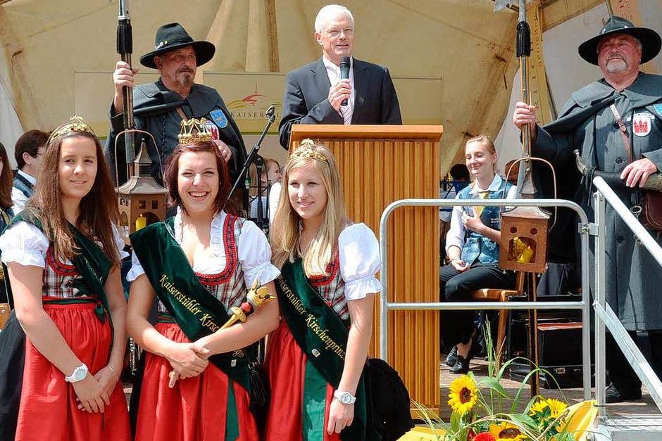 Ihnen zuliebe ging sogar  die Sonne auf: die Kirschenhoheiten Laura Maier,  Hannah Wagenmann und Franziska Sexauer (von links) (Foto: Manfred Freitsch)