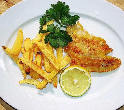 Fish & Chips, frisch aus Backofen und Pfanne | Foto: stechl