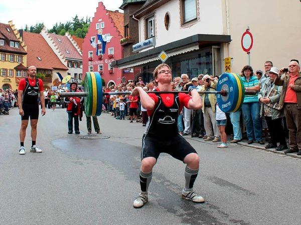 Gewichtheber in Aktion: Roman Hensch stemmte kurz mal 110 Kilogramm.