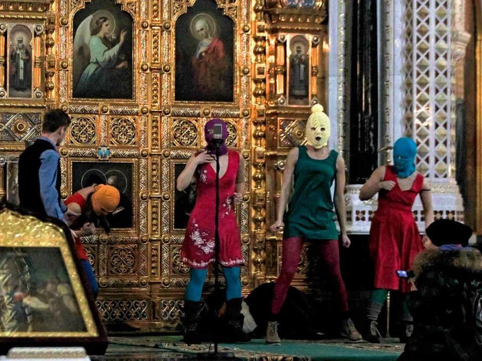 Das Punkgebet gegen Kremlchef Wladimir Putin in einer Moskauer Kirche.  | Foto: dapd