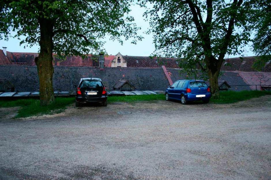 Maria Bögerls Mercedes, in dem sie entführt worden war, wurde am 12. oder am 13. Mai 2010 von den Tätern im Innenhof des Kloster Neresheim abgestellt. (Foto: Polizei)