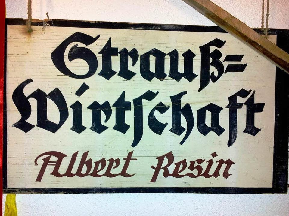 Schild der Straußi aus den 1930er-Jahren.     Foto: ZVG