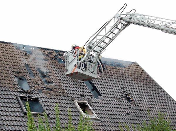 Ein Zweifamilienhaus wurde in Oberrimsingen Opfer der Flammen.