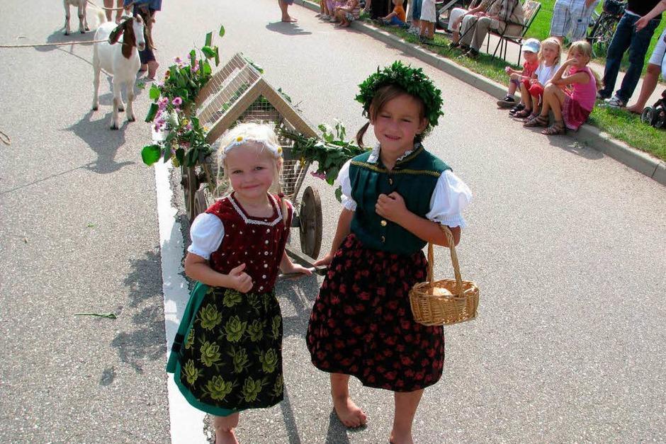Blick zurück: Eschbach feiert sein Jubiläum mit einem historischen Festumzug (Foto: monika rombach)