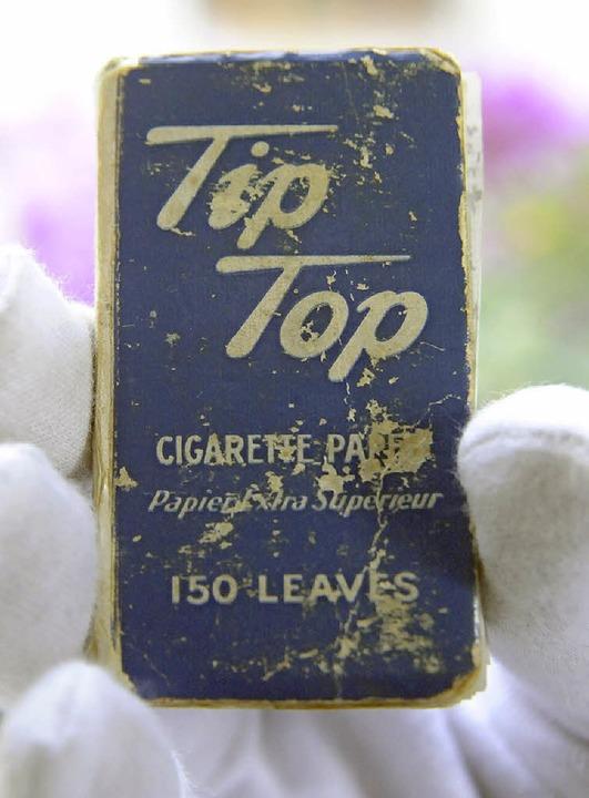 Auf Zigarettenpapierchen hat der Autor...0 dem Tagebucharchiv anvertraut wurden    Foto: Markus Zimmermann