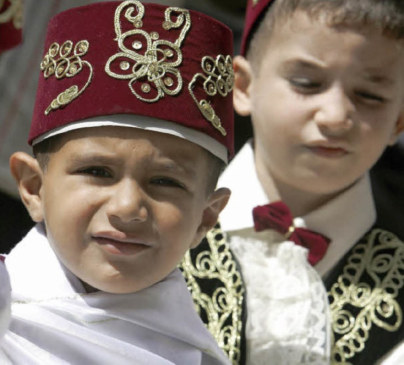 Türkische Jungen bei einer Beschneidungsfeier   | Foto: DPA